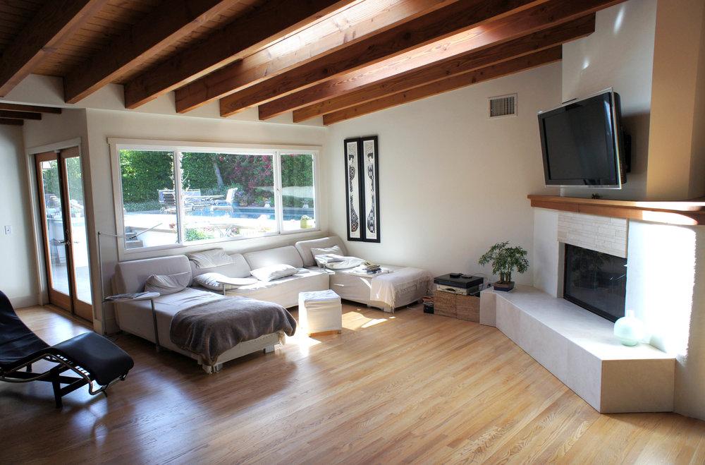 Living Room_Pool.jpg