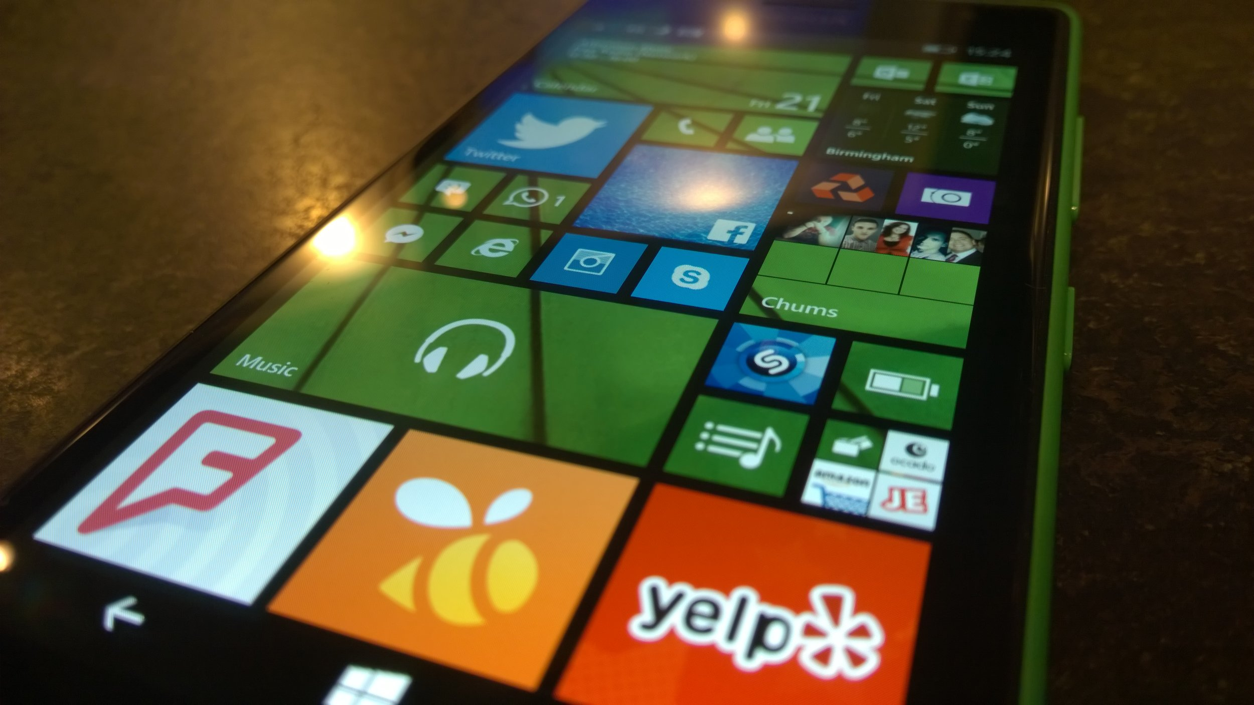 Lumia 735 Screen is bright, vivid and clear.