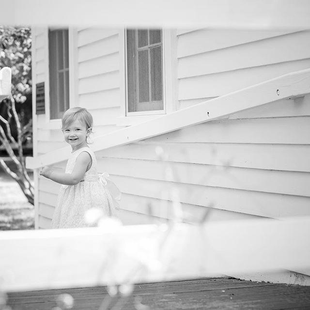 I see you 👀 #spmillsphotography #rifamilyphotography #rifamilyphotographer #riphotographer