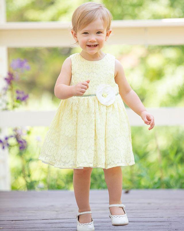 Hi 👋🏻 I'm 18 months old! #spmillsphotography #rifamilyphotography #rifamilyphotographer #riphotographer