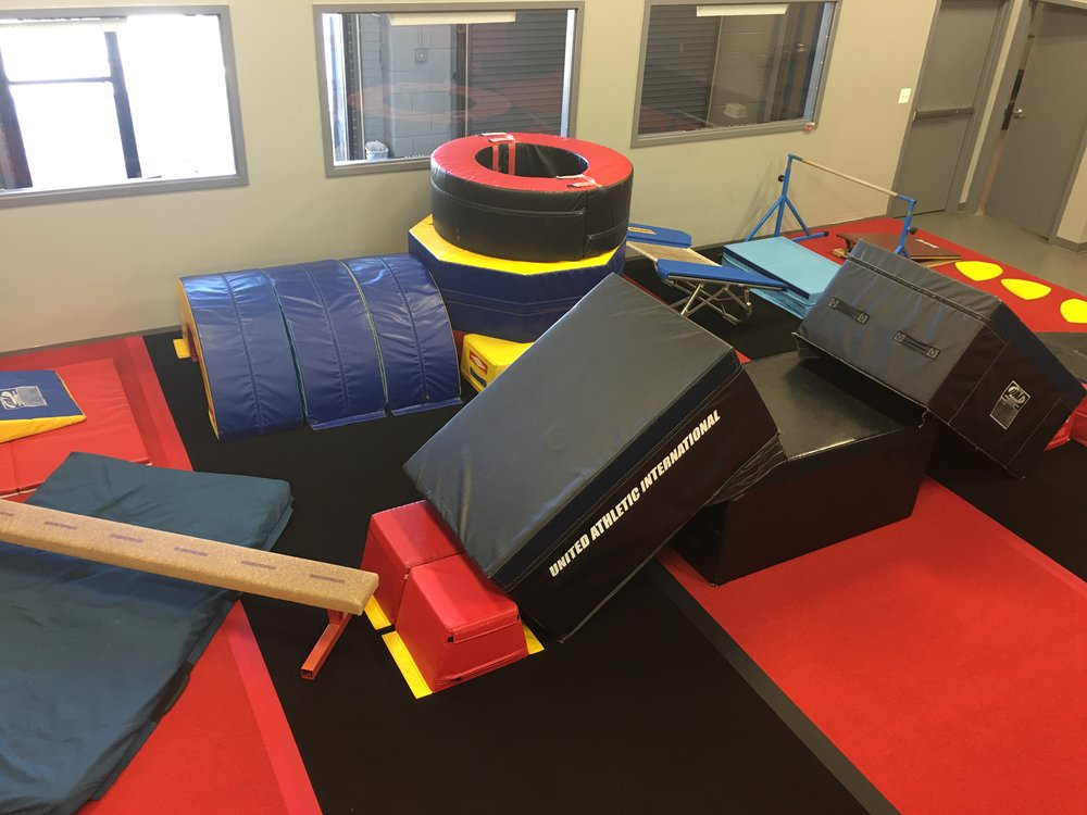 (Lower Gym) Pre-school stability obstacle course