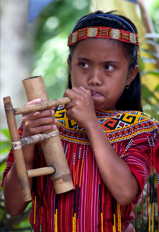 toraja+girl+music+photo+by+keith+mellnick.png