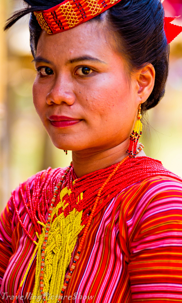 Toraja+woman+photo+by+dave+stockting.jpg