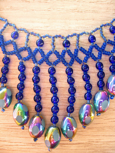 glass+necklace+with+Japanese+and+Czech+seed+beads.jpg