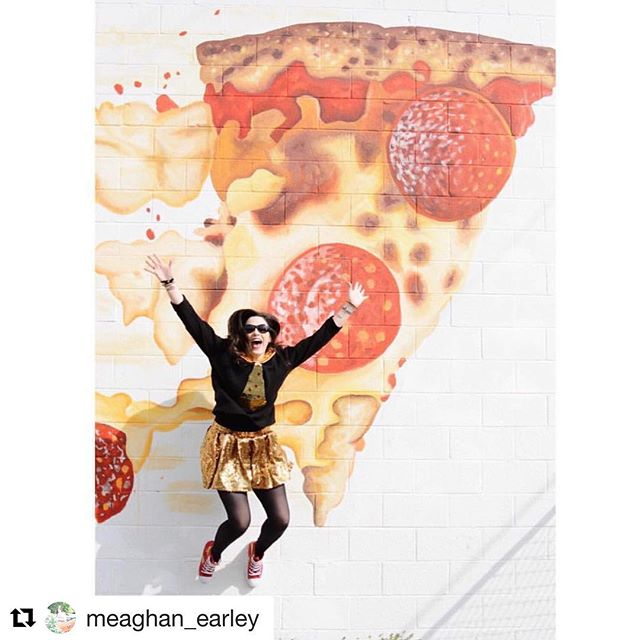 Happy #nationalpizzaday 🍕🤸🏽‍♀️🍕 🎨: @msobeck 📷: @meaghan_earley