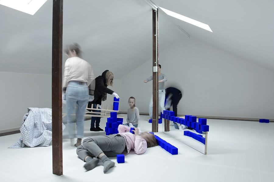 Movement Direction    Tom Borgas, Active Forms- Loft (Klein Blue)  2018   Performers: Sammy Hammat and Rachael Wisby
