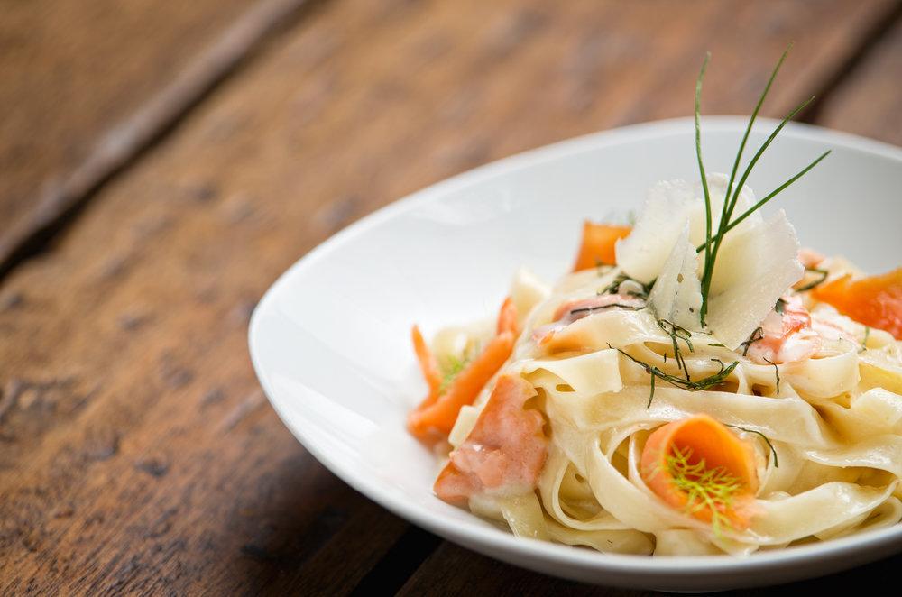 Pappardelle con salmón y albahaca 2.jpg