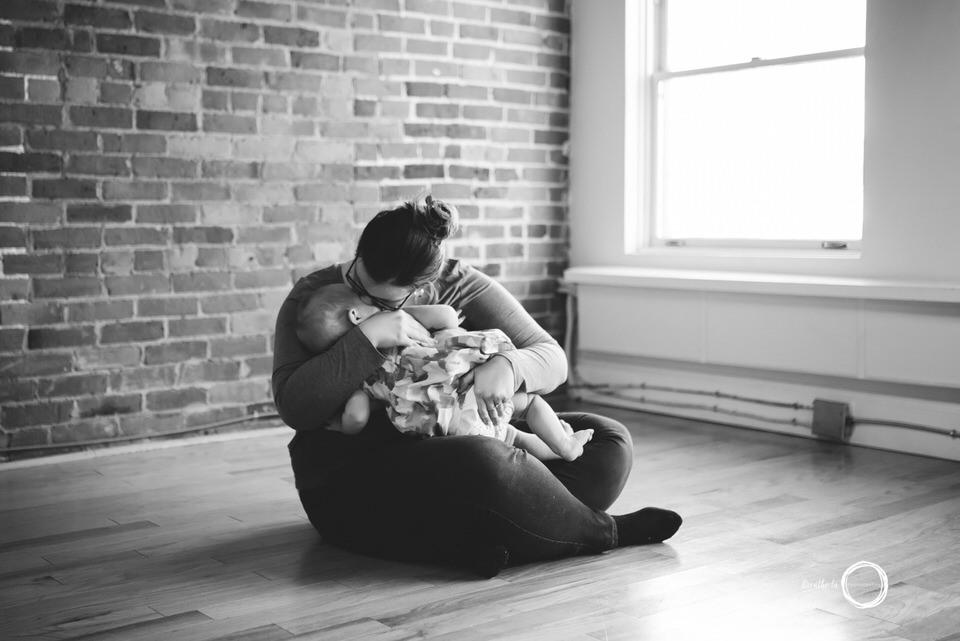 Breastfeeding-Mini-Session-Ottawa.jpg