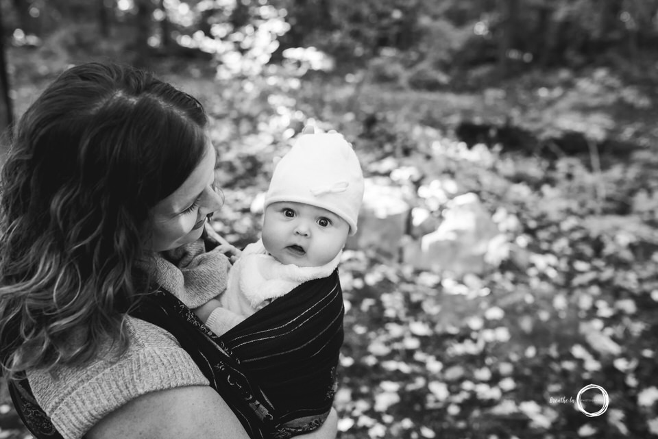 Babywearing in Ottawa during newborn lifestyle photos.