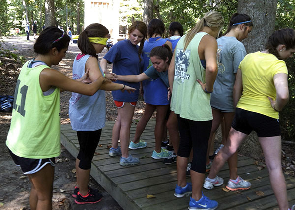 girls_group_low_ropes_teamstrengthening.jpg