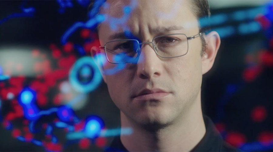 Joseph Gordon-Levitt in  Snowden ; so serious, so uninteresting.