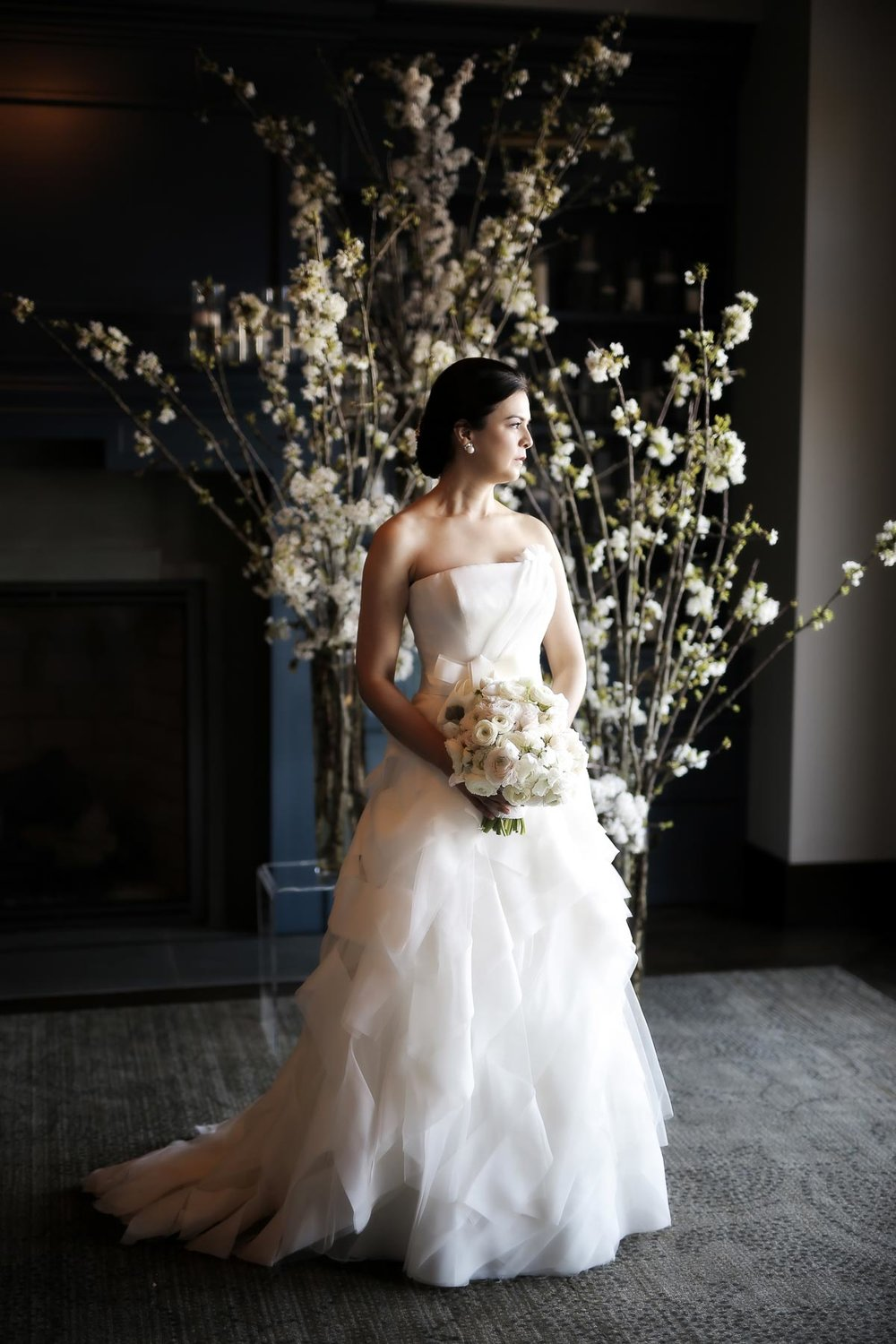 bridal-portrait-white-wedding-cherry-blossoms-park-city-weddings_pepper_nix_photography-36.jpg
