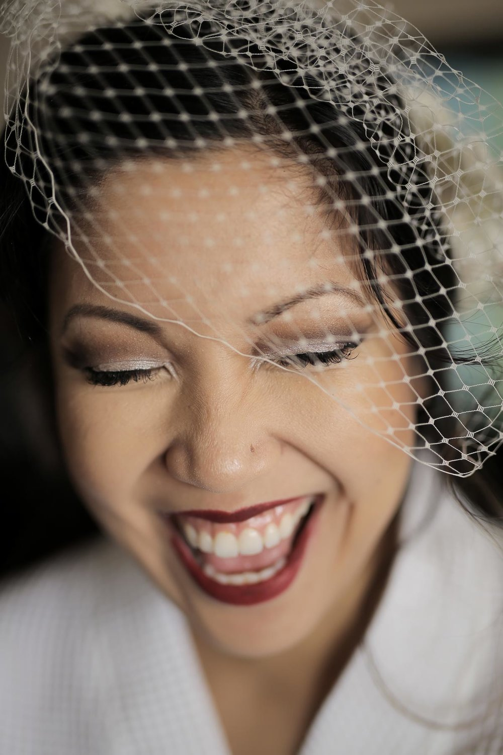 bride-getting-ready-birdcage-veil-red-lips_pepper_nix_photography-9.jpg