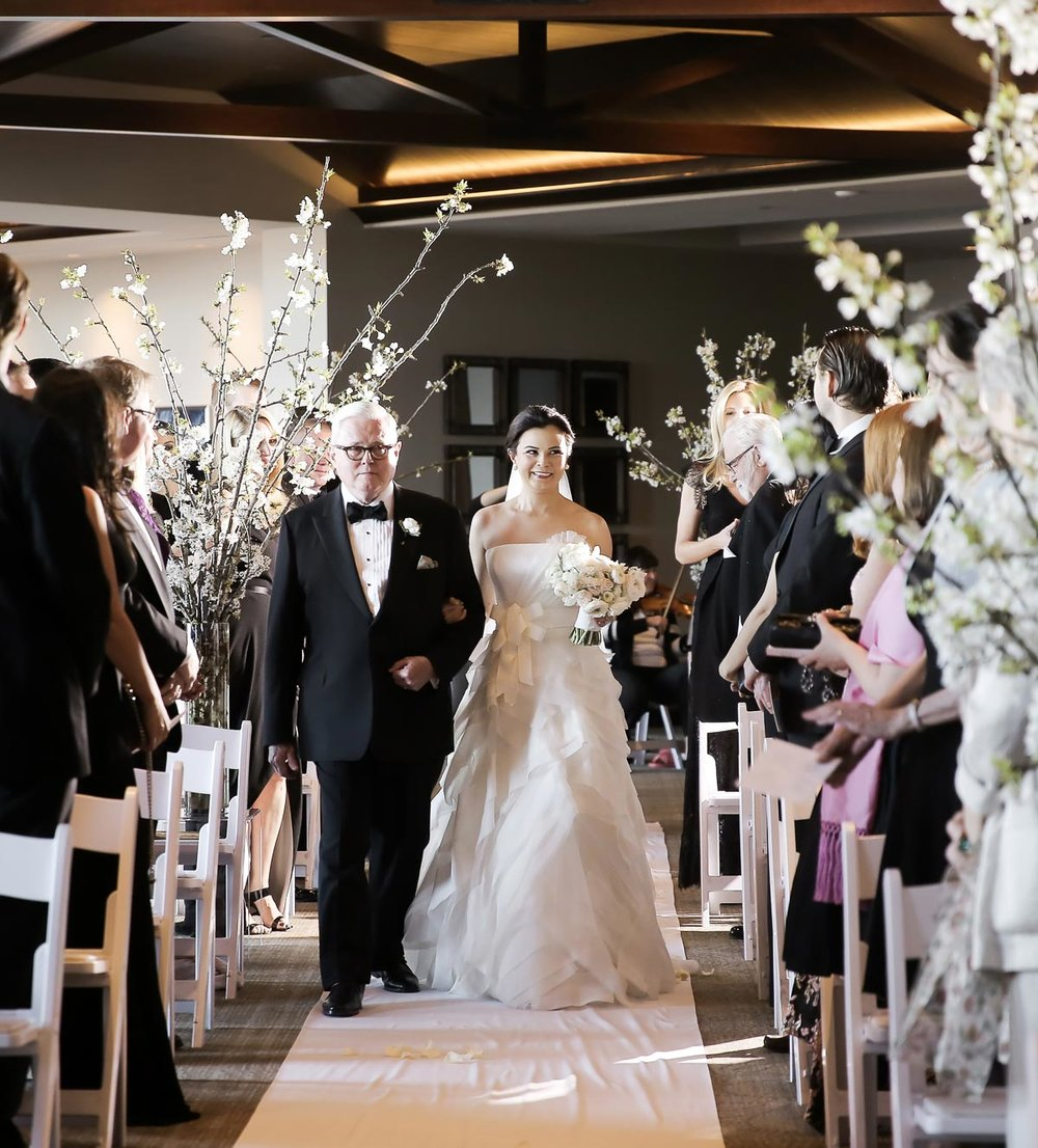 father-of-bride-down-the-aisle-mountain-weddings-park-city-weddings-pepper_nix_photography-41.jpg