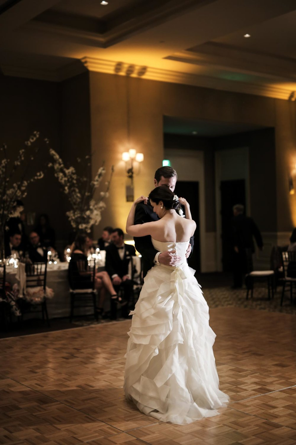 first-dance-real-wedding-montage-deer-valley-park-city-weddings_pepper_nix_photography-50.jpg