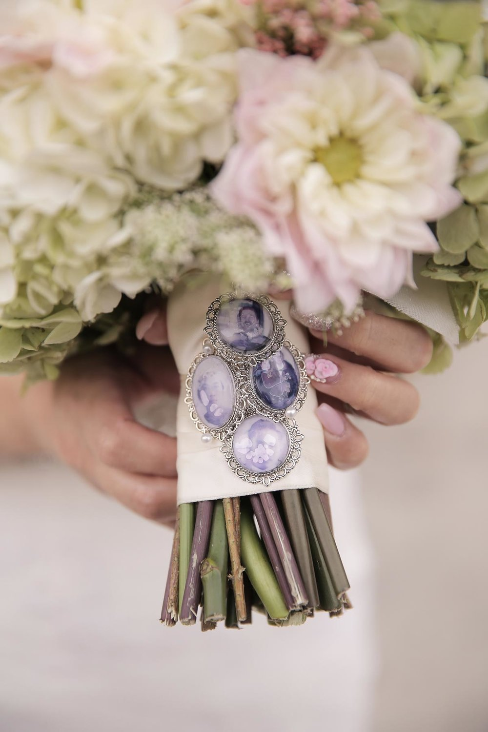 in-memory-of-ideas-bride-bouquet_pepper_nix_photography-14.jpg