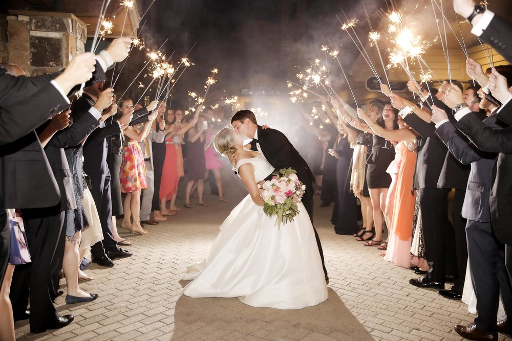 amazing-sparkler-send-off-utah-weddings-deer-valley-weddings-pepper-nix-photography.jpg