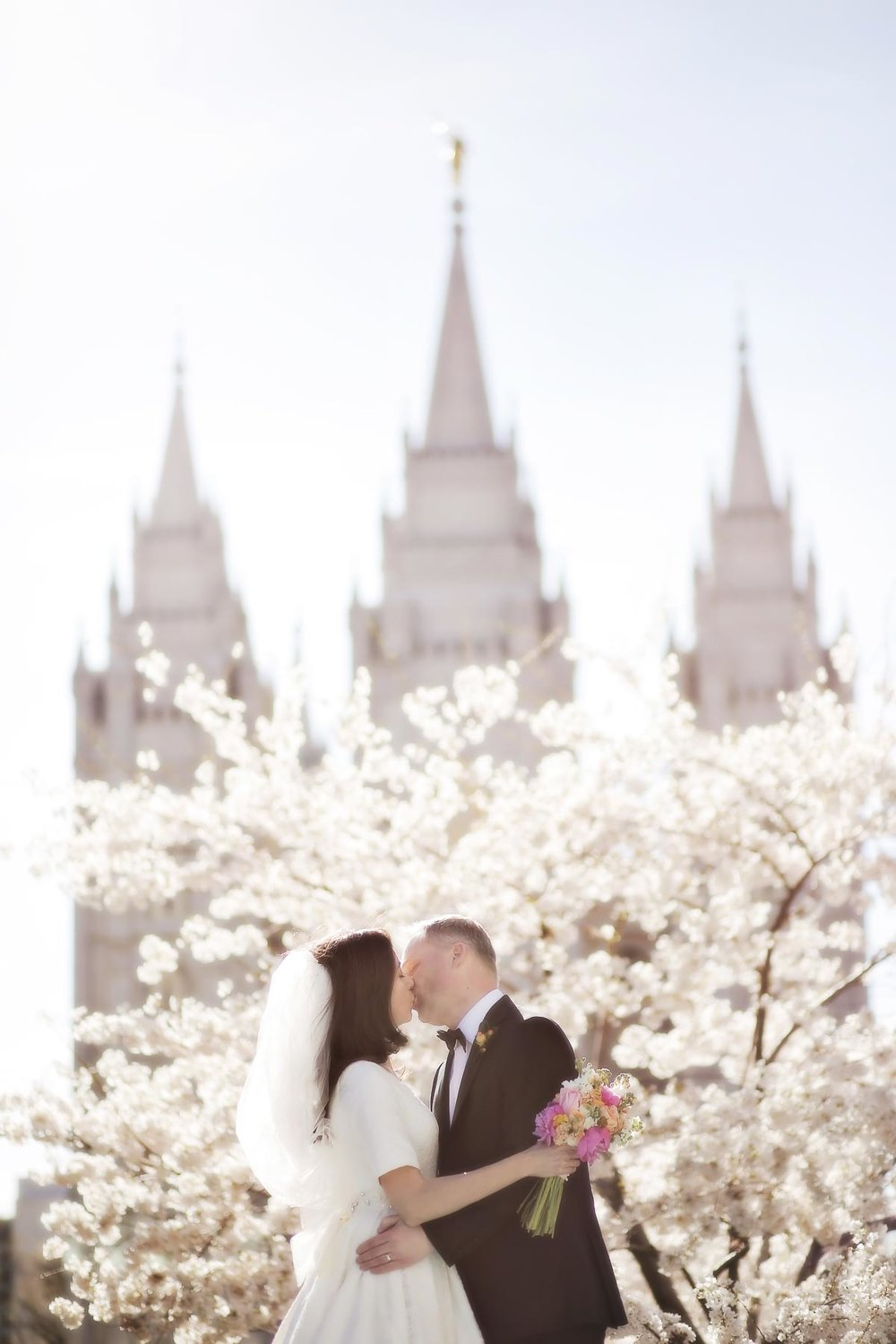 best-temple-wedding-photographer-utah-weddings-pepper_nix_photography-22.jpg
