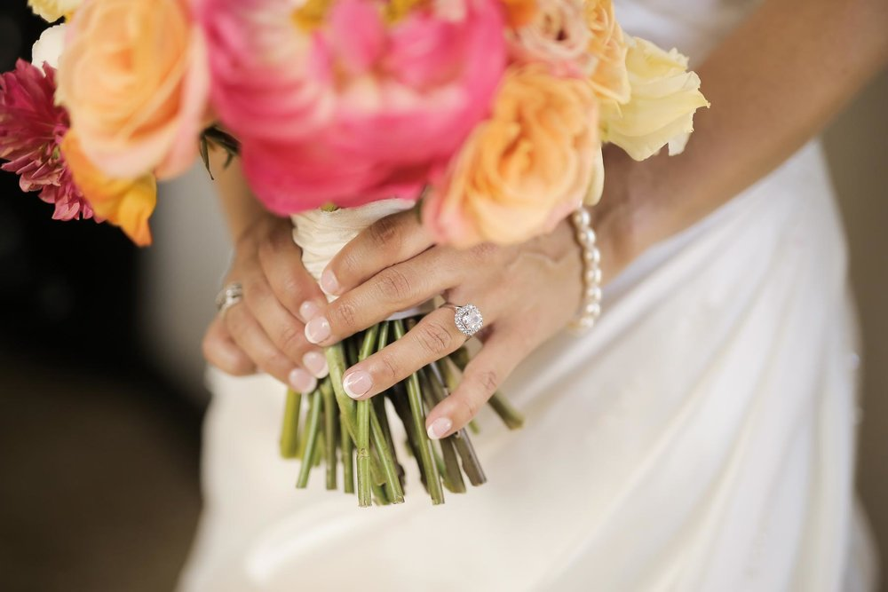 bridal-details-bouquet-ring-pearls-utah-weddings-pepper_nix_photography-102.jpg