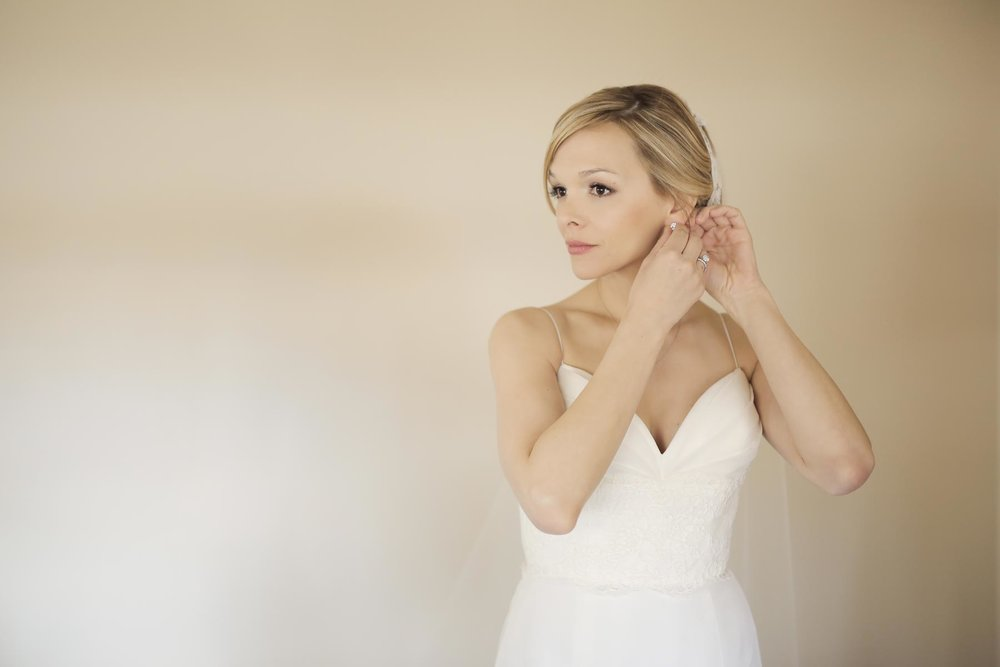 bridal-getting-ready-wedding-ideas-utah-weddings-pepper_nix_photography-79.jpg