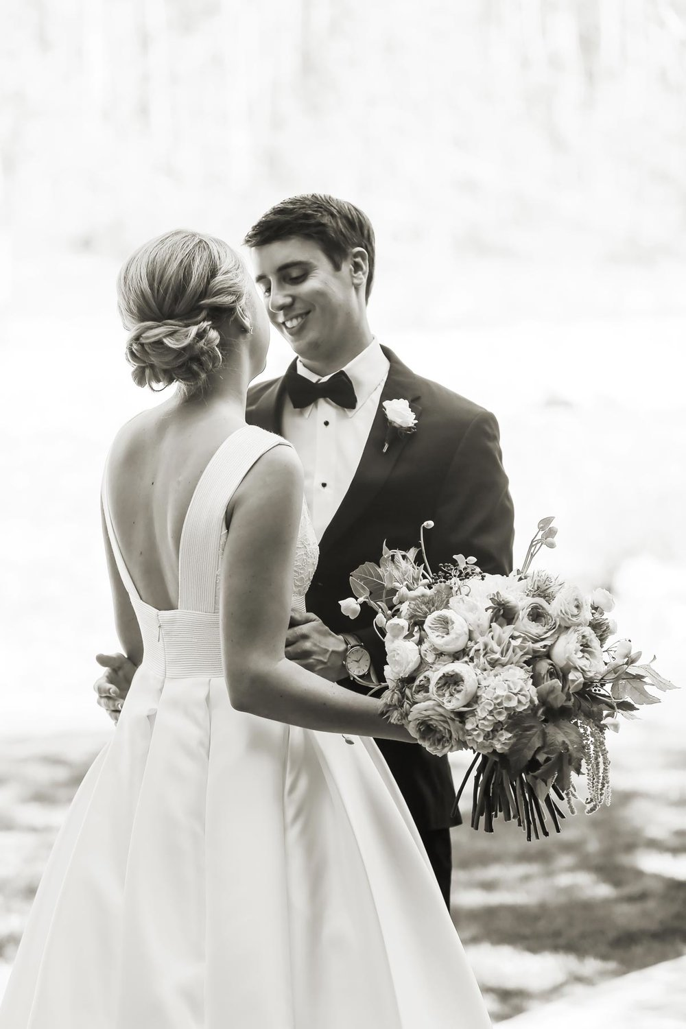 bride-and-groom-first-look-deer-valley-weddings-pepper-nix-photography.jpg