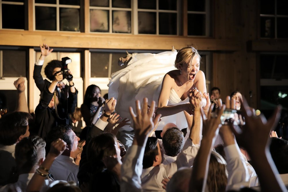 bride-crowd-surfing-wedding-moments-real-wedding-moments-deer-valley-pepper_nix_photography-88.jpg