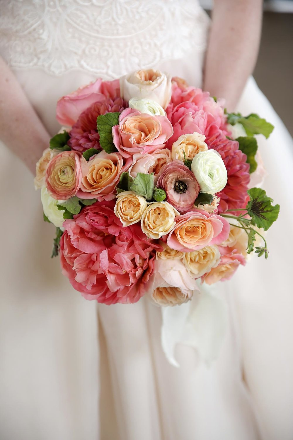 colorful-wedding-flowers-bridal-style-elegant-weddings-utah-weddings-park-city-weddings-pepper_nix_photography-76.jpg