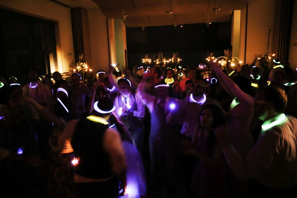 dance-party-at-wedding-utah-weddings-deer-valley-weddings-pepper_nix_photography-98.jpg
