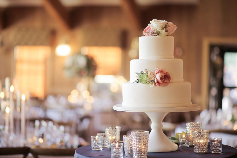 elegant-wedding-cake-pink-flowers-deer-valley-weddings-pepper-nix-photography.jpg