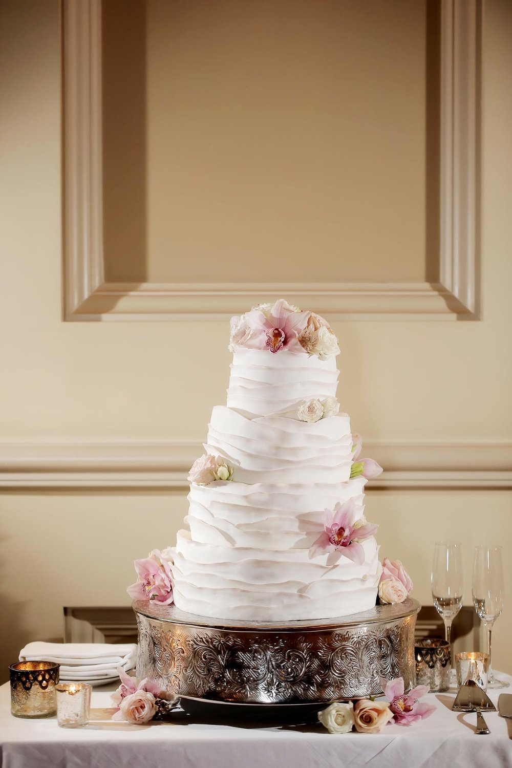 elegant-wedding-cake-pink-flowers-utah-weddings-deer-valley-weddings-pepper-nix-photography.jpg