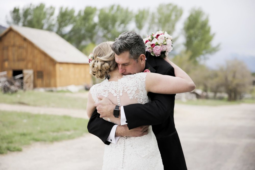 first-look-moment-bride-and-groom-utah-ranch-weddings-pepper_nix_photography-68.jpg