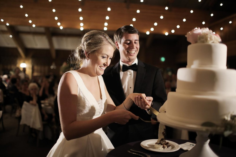 romantic-cake-cutting-deer-valley-weddings-utah-weddings-pepper-nix-photography.jpg