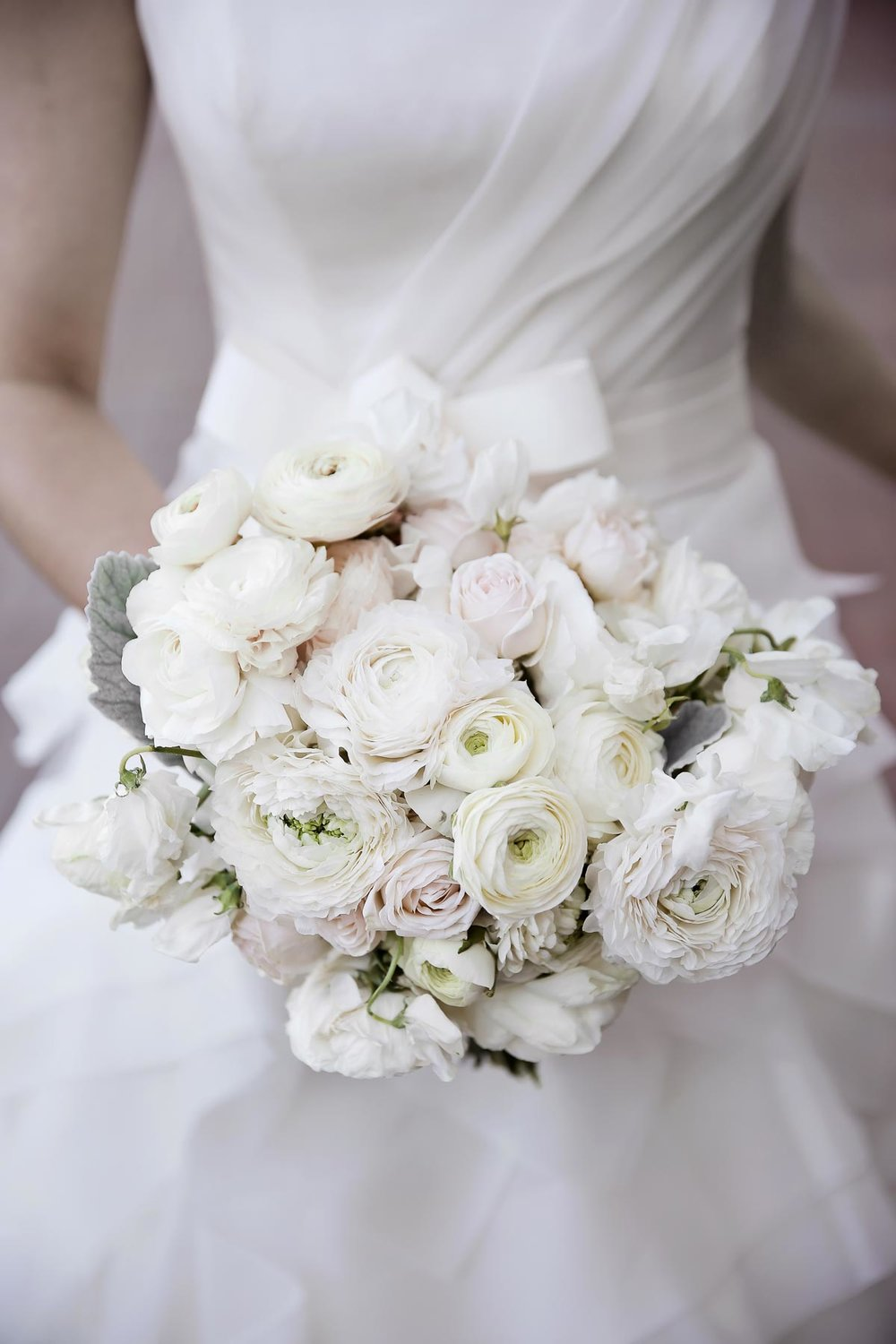 white-weddings-bridal-bouquet-park-city-weddings-pepper_nix_photography-44.jpg