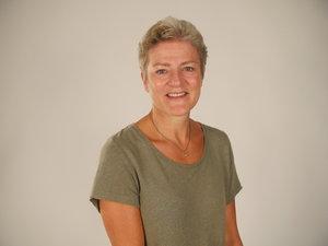 Sara Gumpert Viktigt för mig: Sammanhang, meningsfullhet,kreativitet. Jag vill bidra till möjlighet till möten, med mig själv och andra, för ökad medvetenhet i mina val.