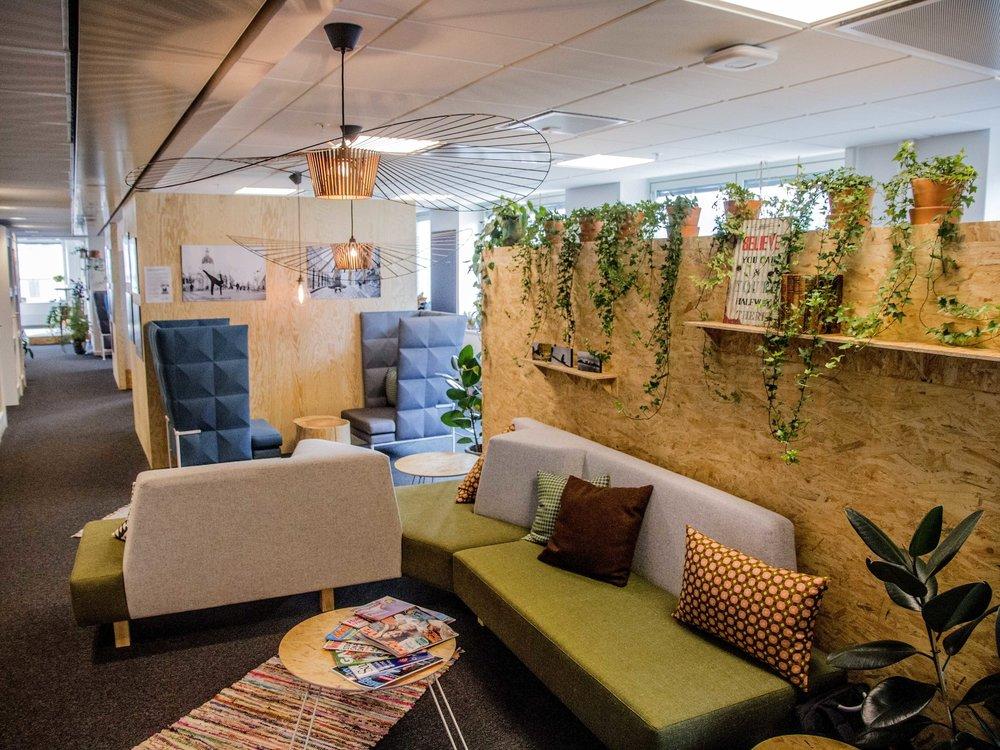 Fler medlemmar önskas - I mars 2016 öppnade vår co-workingspace Ekskäret Klustret i Stockholm och den har redan blivit en naturlig mötesplats för nyfikna entreprenörer, forskare och change-makers. Nu vill de bli fler och söker hyresgäster och samarbetspartners.Läs mer om vår arena Ekskäret Klustret!