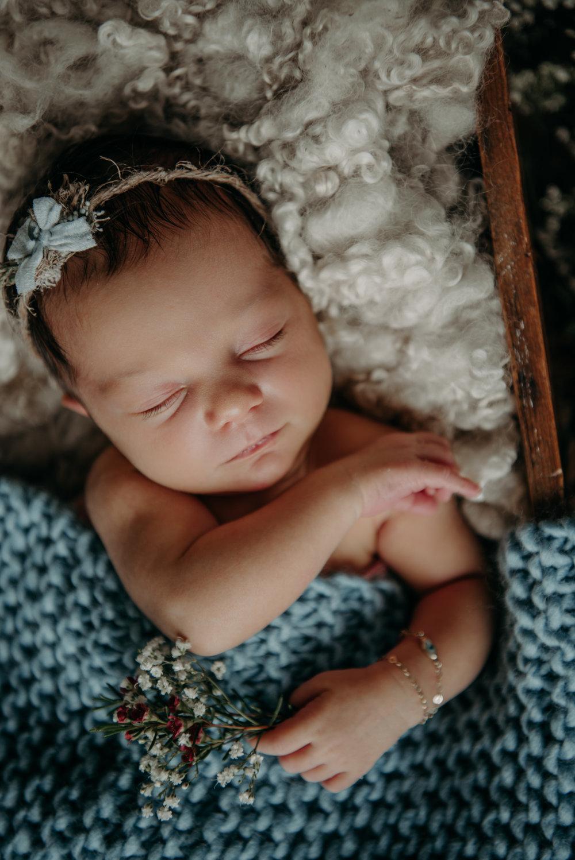 newborn olivia-9175.jpg