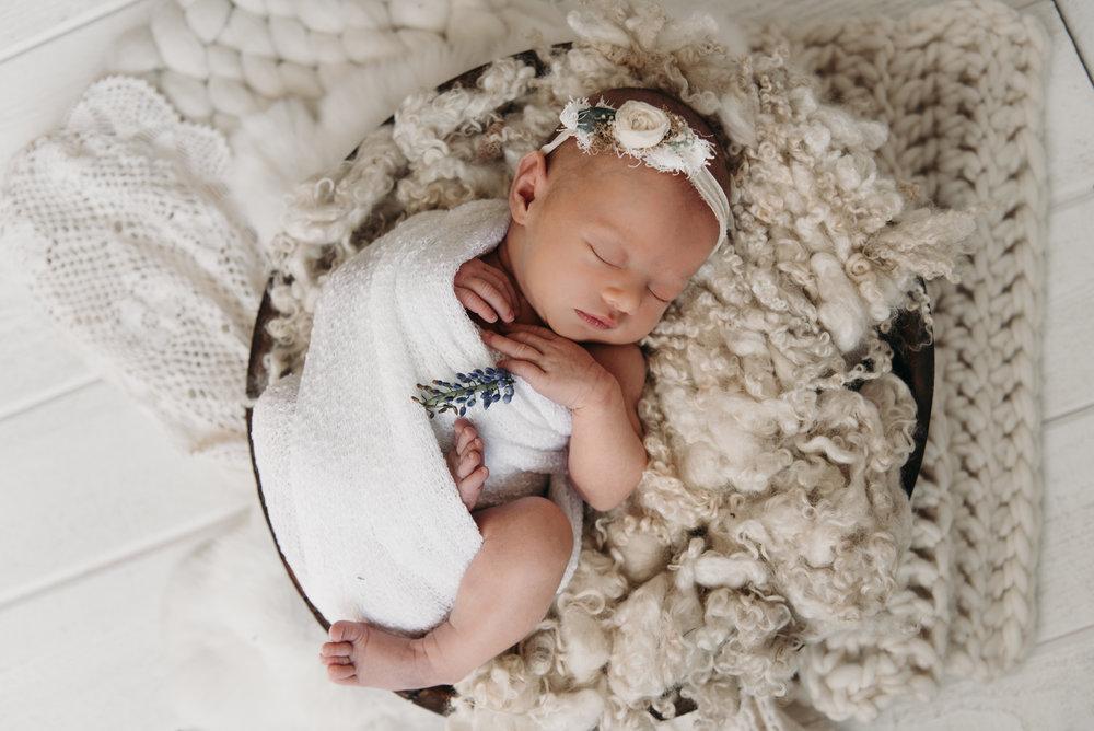 Tessa Newborn Photos - Sunshine Coast BC Photographer - Laura Olson Photography-4712.jpg