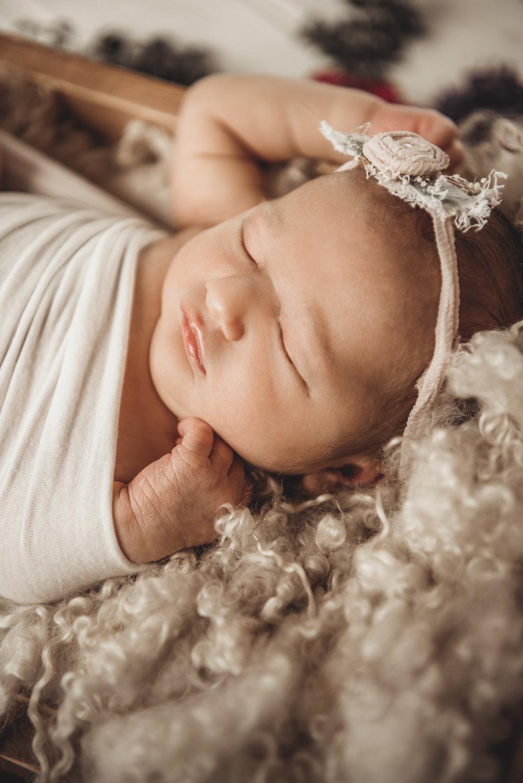 Newborn Ruby Rose - Kathleen Woods - Laura Olson Photography - Sunshine Coast BC Photographer51.jpg