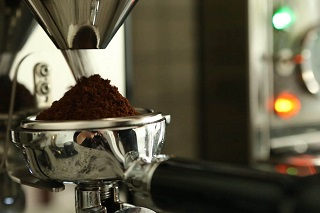 Best Italian coffee grinder for home coffee machines. Find out why it is important to choose the best Italian coffee grinder for home espresso and visit our Melbourne Italian coffee grinder shop. It is easy to make great espresso at home with a great coffee machine and a premium Italian coffee grinder.