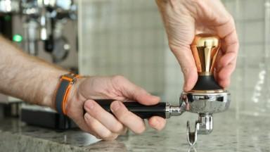 Italian home coffee machine training - Tamping