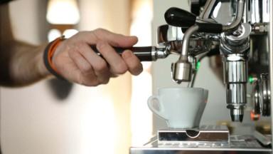 Italian home coffee machine training - Espresso shot