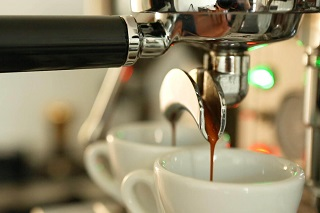 Understanding espresso with a salami shot. Learn how to make great espresso at home with a manual Italian espresso machine and training from K Bean coffee machines, Melbourne