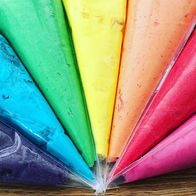 #rainbow #buttercream #birthday #cake #cakesofinstagram #baker #instabaker #munchpops