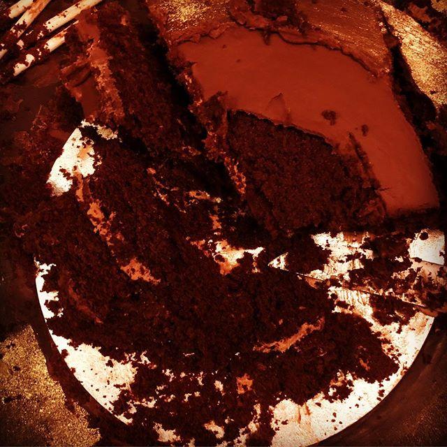 And then it was gone...#tuckin #polishedoff #chocolatemouth #whoateallthecake #cakeymaccakeface #gooey #chocolatey #irresistible #instabaker #instacaker @munchpopsuk