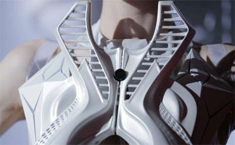Annouk-Wipprecht-3D-printed-fashion-collection-for-Audi_dezeen_06.jpg