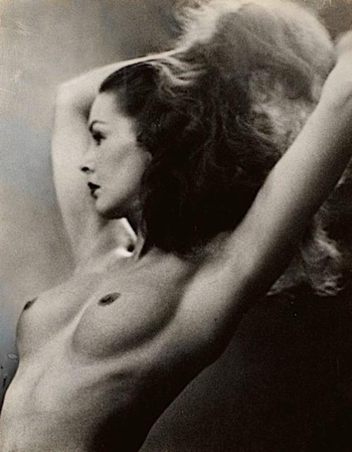 Evelyn Frey |John Rawlings [1951].
