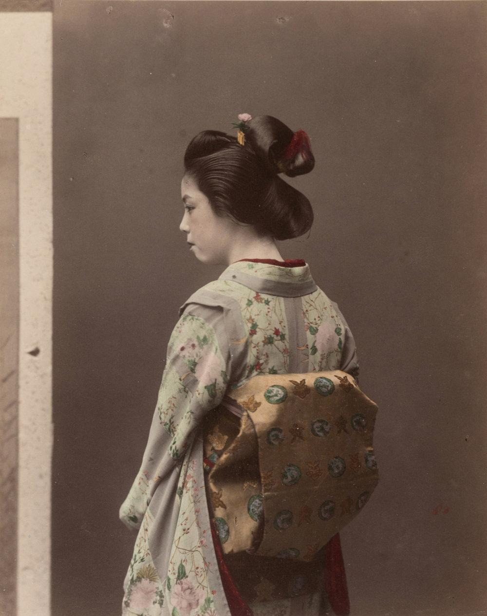 Une geïko, par Tamamura Kozaburo.