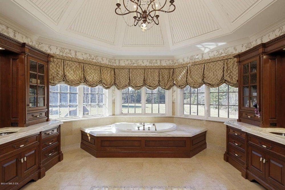 Corporate boardroom qua hot tub?