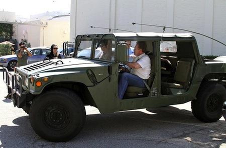 Arnold-Schwarzenegger-Drives-Hummer.jpg
