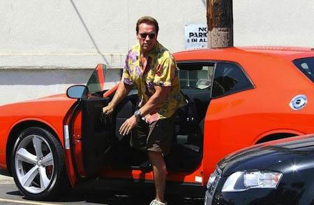Arnold-Schwarzenegger-Dodge-Challenger.jpg